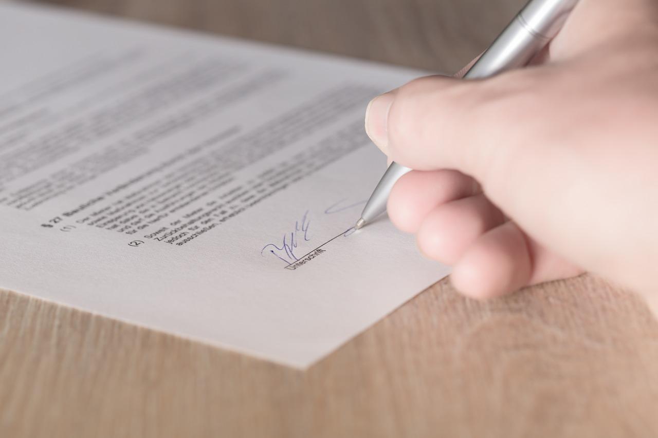 【実務に効く!】英文契約書の例文、サンプル条文【言語条項-Language】